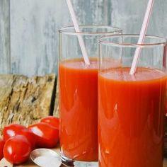 Nutricionistas ensinam as receitas de dois sucos de frutas para refrescar seu verão. Aprenda....