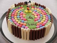 geburtstag smarties Birthday cake with fingers and Smarties theme Mickey - Teatime Gourmand Strawberry Cake Recipes, Healthy Cake Recipes, Poke Cake Recipes, Sheet Cake Recipes, Cake Recipes From Scratch, Homemade Cake Recipes, Chocolate Cake Video, Easy Chocolate Chip Cookies, Chocolate Recipes
