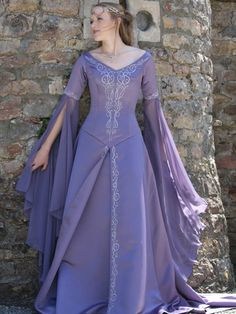 Bridesmaid Dress! <3 http://www.designyourownperfume.co.uk