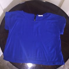 """Royal blue crop top 1 day sale Royal blue crop top. Very comfy! 100% rayon Open to reasonable offers. I do not trade or will respond to """"lowest."""" Please use the offer button. =) **price firm on 1 day sale** Love Fire Tops Crop Tops"""