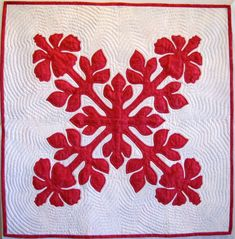Hibiscus Hawaiian Applique QUilt Pattern 34 x Hawaiian Quilt Patterns, Hawaiian Pattern, Hawaiian Quilts, Applique Patterns, Applique Quilts, Block Patterns, Hibiscus, Hawaiian Art, Small Quilts