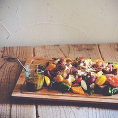 日々の食生活、野菜不足になっていませんか?手軽に野菜を摂りたいけれど、生野菜にドレッシングをかけただけのサラダじゃ飽きる…。そんな方には、デパ地下風のおかずサラダがオススメ!いつものサラダにちょっとしたアレンジで食卓の彩りも美しく、立派な一品として楽しめます。