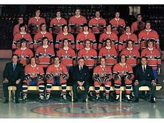 May Montreal Canadiens win the Stanley Cup 4 games to 2 over the Chicago Blackhawks, Yvan Cournoyer was voted MVP. Hockey Girls, Hockey Mom, Hockey Teams, Hockey Players, Ice Hockey, Team Pictures, Team Photos, Montreal Canadiens, Blackhawks De Chicago