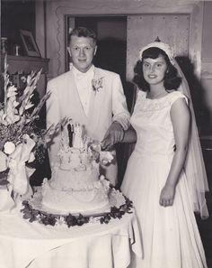1960s Wedding Dresses, Wedding Dress Trends, Gorgeous Wedding Dress, Wedding Gowns, Wedding Cakes, Vintage Wedding Photography, Vintage Wedding Photos, Vintage Bridal, Vintage Weddings