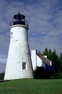 Old Presque Isle Lighthouse photo by Rick Lanting