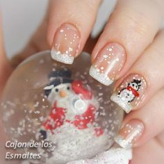 Cool DIY Nail Art Designs and Patterns for Christmas and Holidays -DIY Snowman Nails – Do It Yourself Manicure Ideas … Holiday Nail Art, Christmas Nail Art Designs, Winter Nail Designs, Xmas Nails, Christmas Nails, Christmas Trees, Green Christmas, Simple Christmas, Trendy Nails