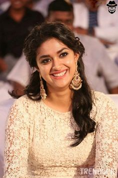 Remo Actress Keerthi Suresh Best Photo Most sexiest Pictures Of Her will appeal you for Sure Beautiful Girl Indian, Most Beautiful Indian Actress, Beautiful Girl Image, Beautiful Saree, Beautiful Places, Beautiful Women, South Actress, South Indian Actress, Tamil Actress