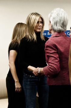 Jennifer Aniston - Jennifer Aniston & Jill Biden Visit The Inova Alexandria Hospital At Mark Center