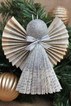 Christmas Ornaments could be produced from an entire listing of things. However, are you able to consider a greater decoration than Angel Ornament? Angel Ornaments are essentially the most particular ornaments of Christmas Origami, Easy Christmas Crafts, Diy Christmas Ornaments, Christmas Angels, Christmas Art, Christmas Projects, Christmas Decorations, Tree Decorations, Christmas Holidays