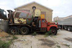 MACK B model transit mixer Cool Trucks, Big Trucks, Old Mack Trucks, Cement Mixer Truck, Junkyard Dog, Old Lorries, Concrete Mixers, Portland Cement, Trucks And Girls