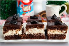 Piernik przekładany powidłami i mascarpone - I Love Bake Tiramisu, Gingerbread, Cheesecake, Favorite Recipes, Baking, My Love, Sweet, Ethnic Recipes, Food