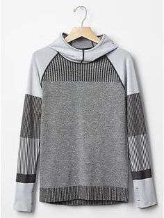 GapFit Motion pullover hoodie | Gap