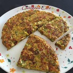 Benim gibi mücveri çok sevip de, yağda kızartıldığı için yiyemeyenlere müjde :-) Yaptığım omletin tadı mücver ile aynı olduve tavada pi...