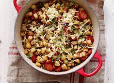 Chorizo and Swiss Cheese Potato Hash Recipe Potato Hash Recipe, Potato Recipes, Milk Recipes, Pasta Recipes, How To Cook Chorizo, Chorizo And Potato, Corned Beef Hash, Creamy Tomato Sauce, Cheese Potatoes
