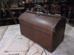 革製ドクターバッグ/アンティーク*トランク*鞄*ディスプレイ_画像1