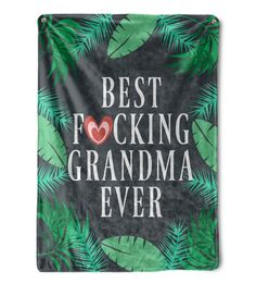 Put a big smile on your grandmas face with this funny grandma blanket. Give this warm, silky, cozy, luxurious, ideal for snuggling funny blanket as a gift to your boyfriend. Birthday Gifts For Grandma, Mom Birthday, Grandma Gifts, Minky Blanket, Fleece Blankets, Throw Blankets, Family Presents, Couple Gifts, Custom Photo