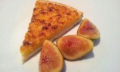 Torta di riso con fichi al miele. Una ricetta non troppo complicata che mette assieme pasta bignè, brisé dolce e fichi marinati http://www.identitagolose.it/sito/it/dolcezze.php?id_cat=97_art=3679