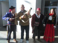 Con los bandoleros sevillanos del Siglo XVI.