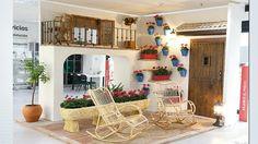 Escenificación Patio Cordobés. Entrada Leroy Merlin Córdoba Merlin, Loft, Patio, Bed, Furniture, Home Decor, Cordoba, Entryway, Decoration Home
