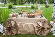 mariage champêtre chic chariot-char-nappe-blanche-idées