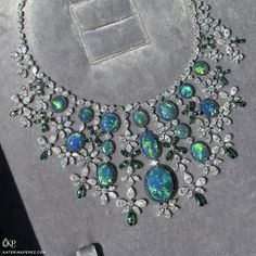 """Black Opal and Diamond Necklace From Chopard's """"Red Carpet Collection"""" Opal Necklace, Diamond Pendant Necklace, Opal Jewelry, I Love Jewelry, Luxury Jewelry, Modern Jewelry, Diamond Jewelry, Vintage Jewelry, Fine Jewelry"""