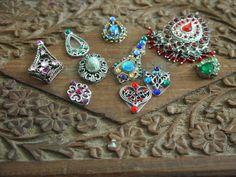 Kalika Tribal Souk - 25yd Skirts, Afghani Jewellery and Handmade Bindis - UK based via facebook  https://www.facebook.com/KalikaTribal