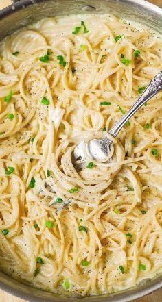 Pasta Sauce Recipes, Easy Pasta Recipes, Easy Meals, Dinner Recipes, Easy Pasta Sauce, Healthy Sauces For Pasta, Garlic Sauce Recipes, Creamy Garlic Pasta Sauce, Pasta Sauce Ingredients