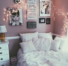 Teen Bedroom Ideas - Produce a space loaded with personal expression, inspired by these teen room ideas. Whether child or lady, filter through and also find a style that fits. My New Room, My Room, Dorm Room, Decoration Inspiration, Room Inspiration, Dream Rooms, Dream Bedroom, Bed In Corner, Home And Deco
