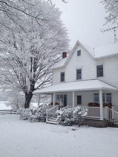 farmhouse snow | Our farm house in the snow … in the south central Pennyslvania area.