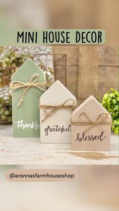 Diy Fall Crafts, Diy Wood Crafts, Wood Block Crafts, Christmas Crafts To Sell, Wood Blocks, Crafts To Do, Decor Crafts, Holiday Crafts, Paper Crafts