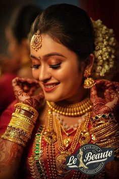 Beautiful indian brides, bridal makeup pictures, asian bridal makeup, i Indian Bride Poses, Indian Wedding Bride, South Indian Bride, Indian Bridal, Indian Weddings, Saree Wedding, Wedding Dresses, Bridal Makeup Pictures, Asian Bridal Makeup