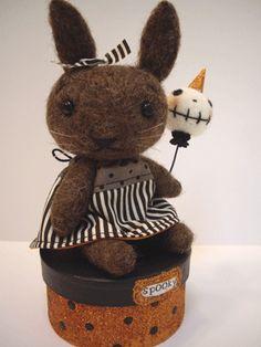 【Jenn Docherty】hester the bunny ♥ Felt Wool Doll