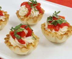 Mini Phyllo Shells With Cream Cheese, Basil & Roasted Sweet Red Peppers - Athens Foods Phyllo Appetizers, Yummy Appetizers, Appetizer Recipes, Spinach Tart, Athens Food, Sweet Red Pepper, Stuffed Shells Recipe, Tart Shells, Best Instant Pot Recipe
