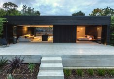 EMA House - Waiheke by Evelyn McNamara Architecture Flat Roof House, Prefab Homes, Black House, Minimalist Home, Renting A House, Architecture Design, House Plans, New Homes, Holiday Homes Nz