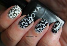 Impressive Black And White Abstract Line Pattern For Short Nail Design Idea - Black And White Nail Art #prom nail art