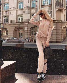 "979 Likes, 9 Comments - Катерина Милевская (@milevskate) on Instagram: ""Плюшевый костюмчик от @modus_fashion """