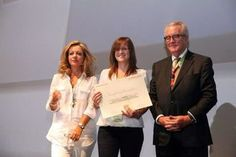 Premiado un trabajo de la UCLM sobre redes sociales y su influencia en el comercio.