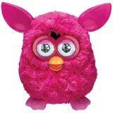 Mit Furby kann man Aufsehen erregen - und nicht nur aufgrund der vielen knalligen Farben, in denen er erhältlich ist!