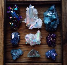 gemstones in blue Cool Rocks, Beautiful Rocks, Minerals And Gemstones, Rocks And Minerals, Crystal Magic, Crystal Healing, Wicca, Crystal Aesthetic, Crystal Collection