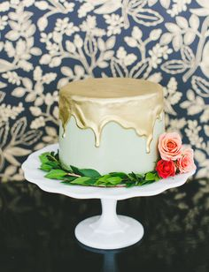 Gold dipped mint green cake!