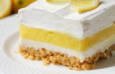 LEMON LASAGNA cake Lemon Lasagna - four layers of goodness which include a Lemon Oreo crust, cream cheese layer, lemon pudding layer and topped with cream! it is delicious! Best Sugar Cookie Recipe, Best Sugar Cookies, Cookie Recipes, Fruit Juice Recipes, Smoothie Recipes, Dessert Dips, Dessert Recipes, Lemon Desserts, Easy Desserts