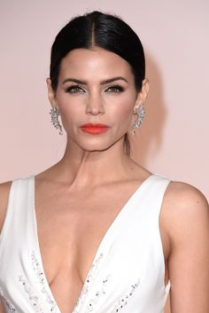 The Oscars' Biggest Hair Trend Might Surprise You #refinery29 http://www.refinery29.com/2015/02/82701/middle-part-trend-oscars-2015-red-carpet#slide-4 Another center-parted updo, courtesy of Jenna Dewan Tatum.