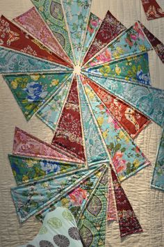 Machine applique - an easier way to make a complicated quilt!  Amy Butler Quilt