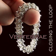Joining Vertebrae, a free, online tutorial from Urban Maille. ♥