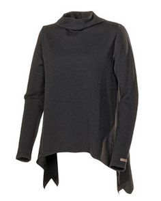 A fantastic garment with asymmetric shape at bottom and a lot of width in our extra fine Italian merino wool yarn. Vanessa Black, Hoodies, Sweatshirts, Black Sweaters, Knitwear, Turtle Neck, Lady, Knits, Products