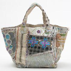 Use all those upholstery scraps Patchwork Bags, Quilted Bag, Handmade Handbags, Handmade Bags, Boho Bags, Denim Bag, Fabric Bags, Shopper, Handbag Accessories