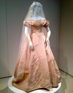 "This Civil War-era bridal gown circa 1863 was found by Steven Porterfield, owner of the Cat's Meow vintage store in Midland, Texas, and guest appraiser on ""Antiques Roadshow,"" in early 2014 at a vintage sale on the East Coast Historical Costume, Historical Clothing, Vintage Gowns, Vintage Outfits, Victorian Fashion, Vintage Fashion, Victorian Dresses, Bridal Gowns, Wedding Gowns"