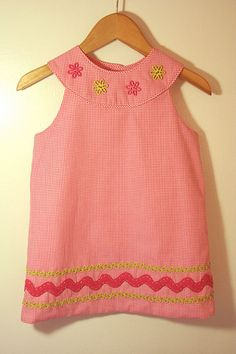 """Pattern is """"Jacqueline"""" by the Children's Corner. The fabric is from Fabric Finders. Little Girl Outfits, Little Girl Dresses, Kids Outfits, Baby Girl Dresses, Baby Dress, Fashion Sewing, Kids Fashion, Childrens Sewing Patterns, Sewing Ideas"""