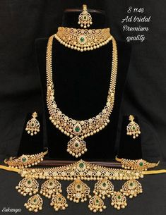 Bridal Jewelry Sets, Bridal Sets, Wedding Jewelry, South Indian Bridal Jewellery, Indian Bridal Fashion, Temple Jewellery, Necklace Designs, Bridal Style, Crochet Necklace