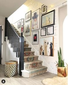 Staircase Wall Decor, Stairway Decorating, Hallway Walls, Stair Decor, Art Walls, Staircase Walls, Staircase Frames, Narrow Hallway Decorating, Hallway Art